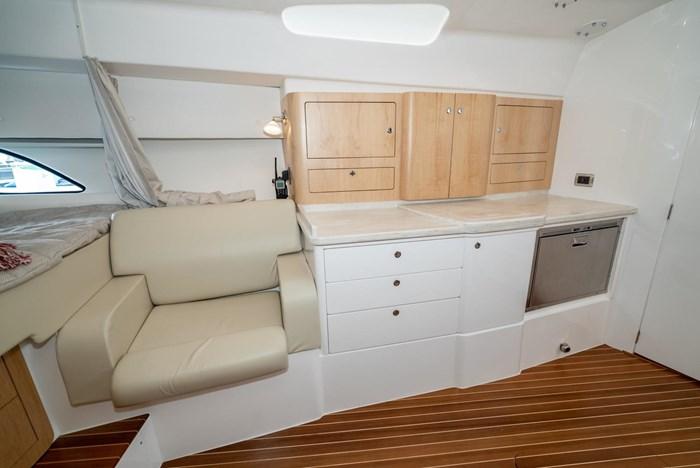 2019 Intrepid 430 Sport Yacht Photo 21 of 33