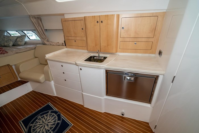 2019 Intrepid 430 Sport Yacht Photo 22 of 33