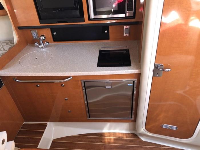 2008 Chaparral 290 Signature Cruiser Photo 13 of 21