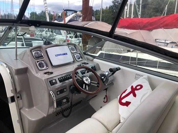 2008 Chaparral 290 Signature Cruiser Photo 7 of 21