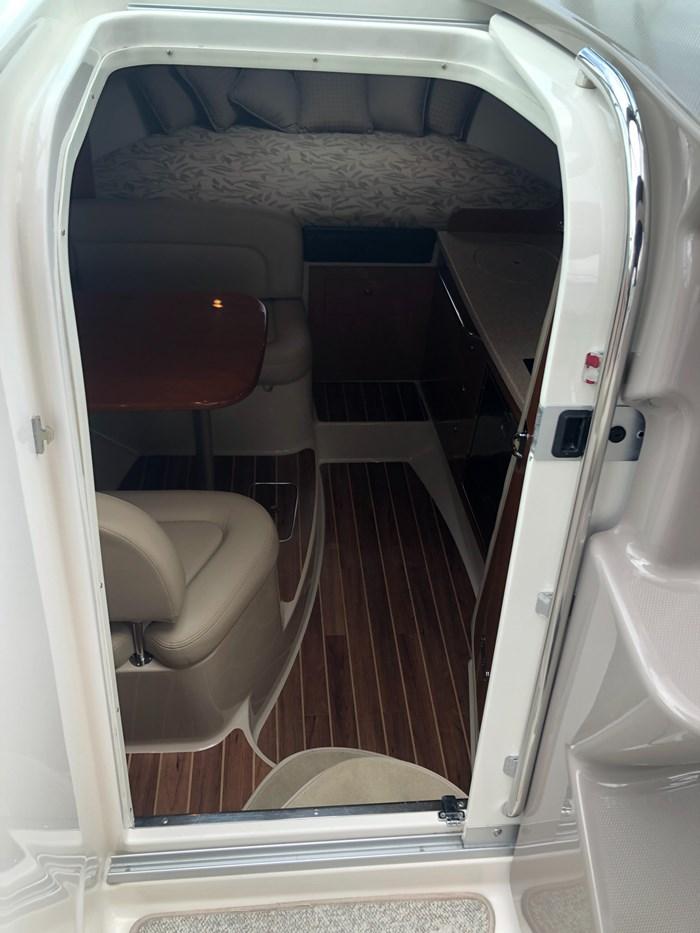 2008 Chaparral 290 Signature Cruiser Photo 9 of 21