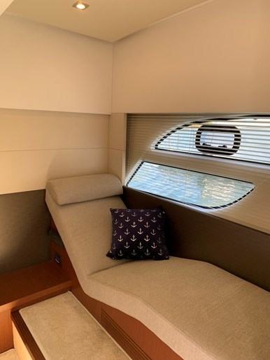 2018 Beneteau Grand Turismo Photo 34 of 39