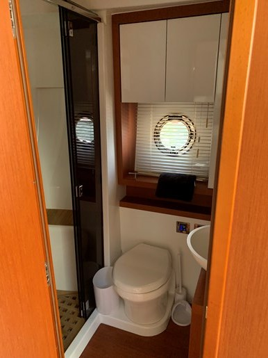 2018 Beneteau Grand Turismo Photo 31 of 39
