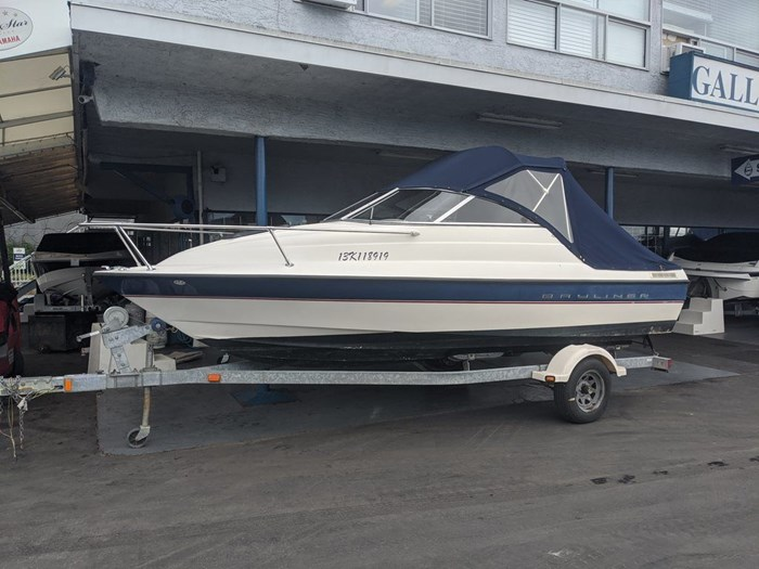 2005 BAYLINER 192 DISCOVERY Photo 3 of 12