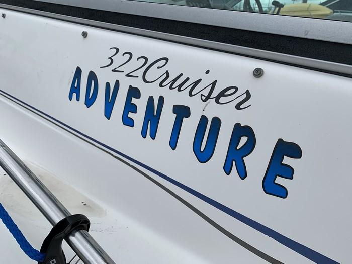 2000 Monterey 322 Cruisers Photo 27 of 38