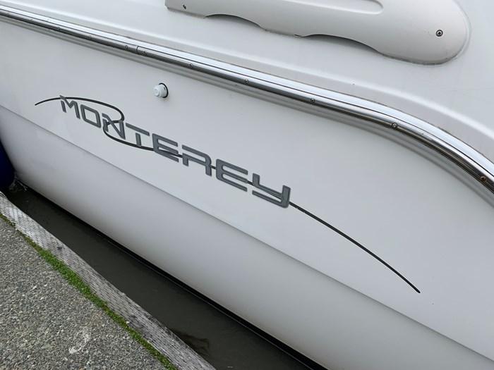 2000 Monterey 322 Cruisers Photo 28 of 38