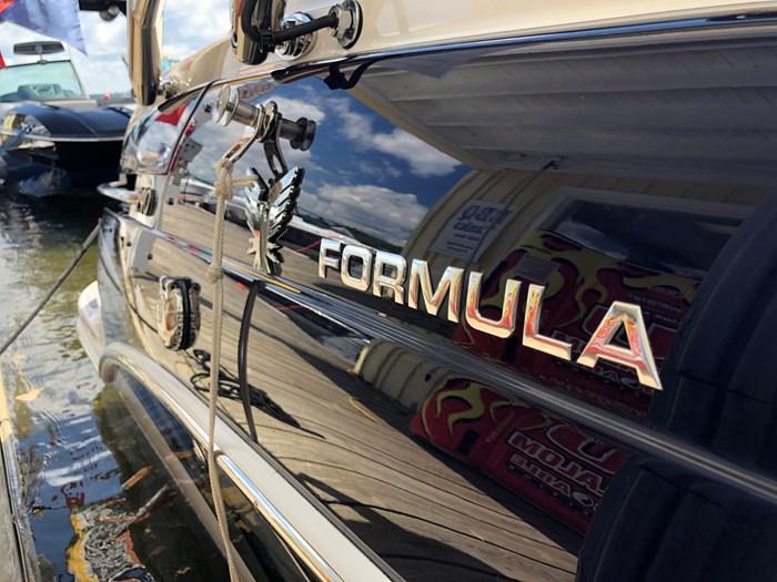 2017 Formula 240 Bowrider Photo 11 of 11