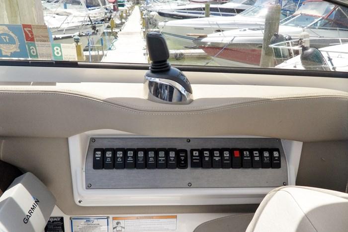 2014 Regal 38 Express Cruiser Photo 9 of 39