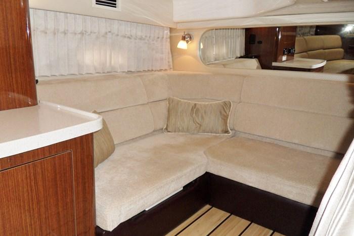 2014 Regal 38 Express Cruiser Photo 21 of 39