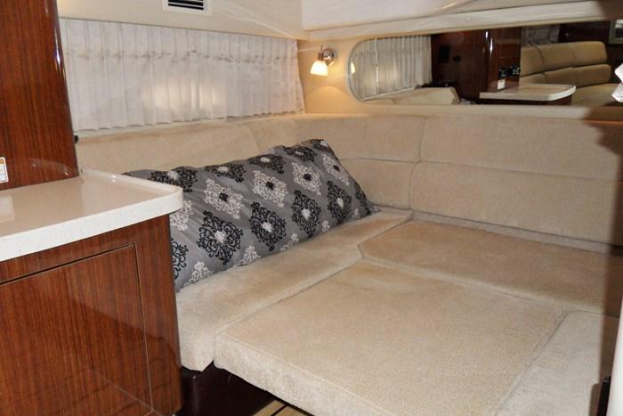 2014 Regal 38 Express Cruiser Photo 22 of 39