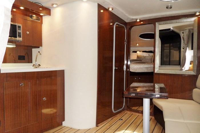 2014 Regal 38 Express Cruiser Photo 24 of 39