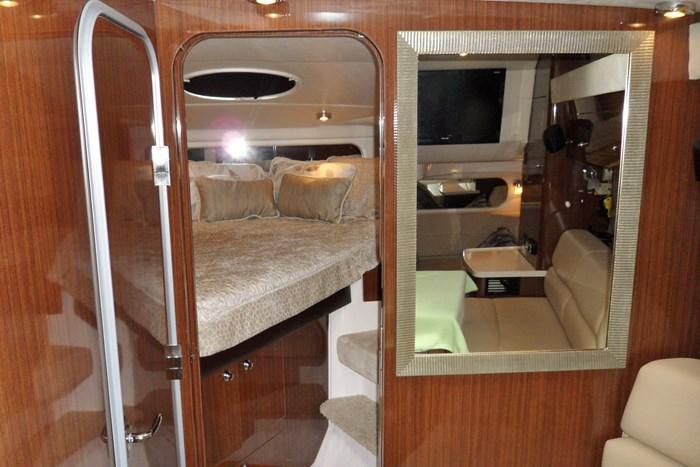 2014 Regal 38 Express Cruiser Photo 30 of 39