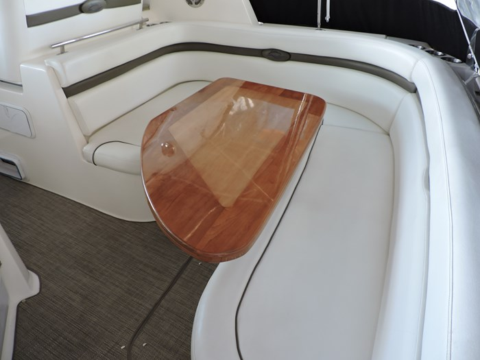 2008 Rinker 330 Express Cruiser Photo 5 of 50
