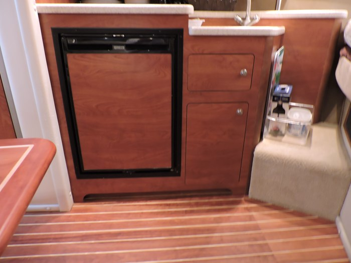 2008 Rinker 330 Express Cruiser Photo 30 of 50
