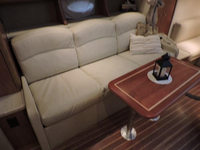 2008 Rinker 330 Express Cruiser Photo 37 sur 50