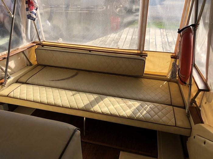 1981 Sea Ray Cabin Cruiser Photo 10 of 11