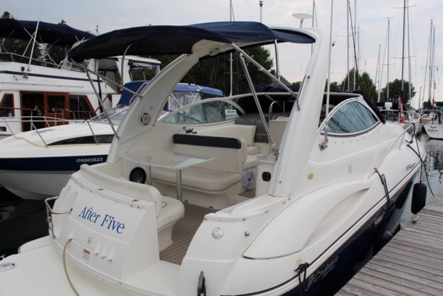 2005 Cruisers Yachts 300 express Photo 4 of 8