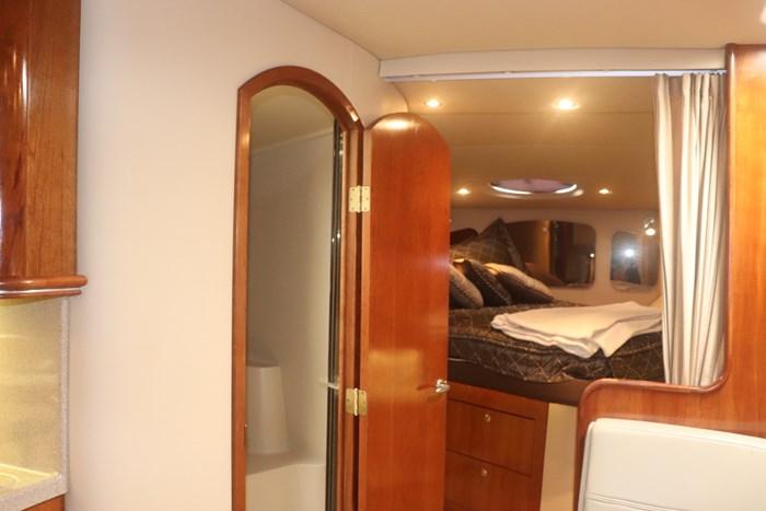 2005 Cruisers yachts 370 Photo 38 of 44