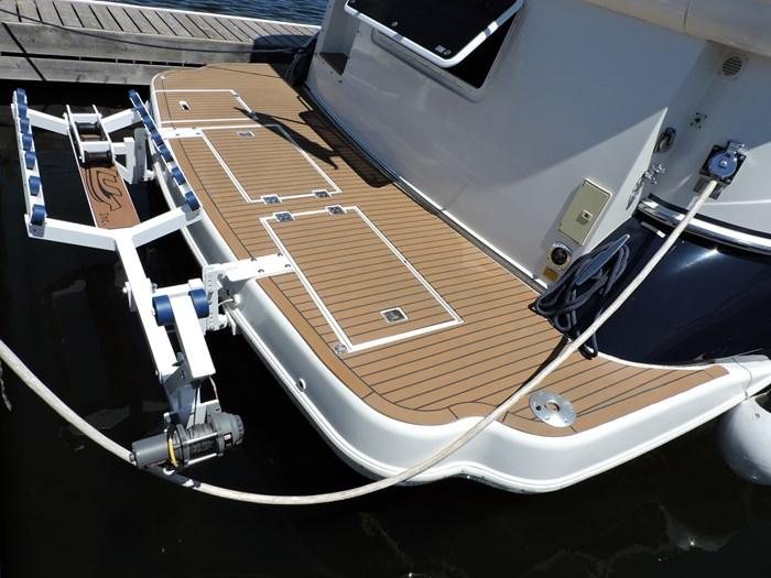 2006 Cruisers Yachts 455 Express Motor Yacht Photo 11 of 86