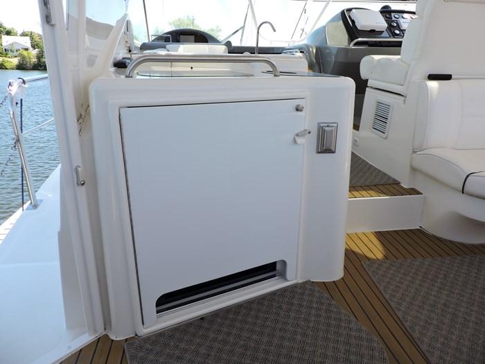 2006 Cruisers Yachts 455 Express Motor Yacht Photo 19 of 86