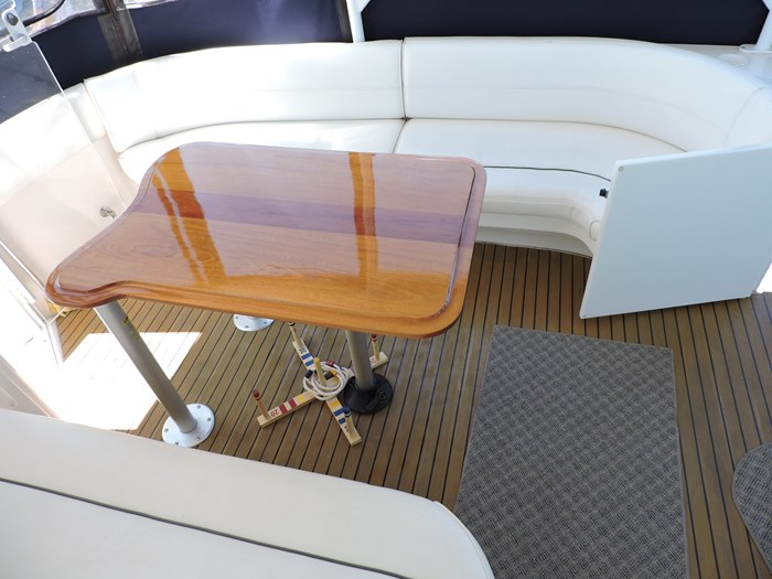 2006 Cruisers Yachts 455 Express Motor Yacht Photo 21 of 86