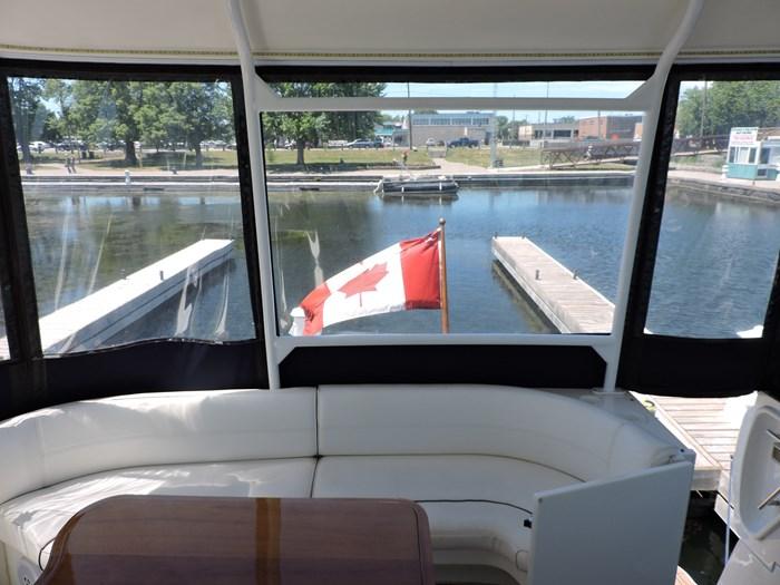 2006 Cruisers Yachts 455 Express Motor Yacht Photo 22 of 86