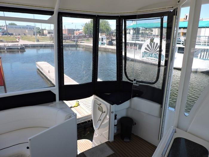2006 Cruisers Yachts 455 Express Motor Yacht Photo 23 of 86