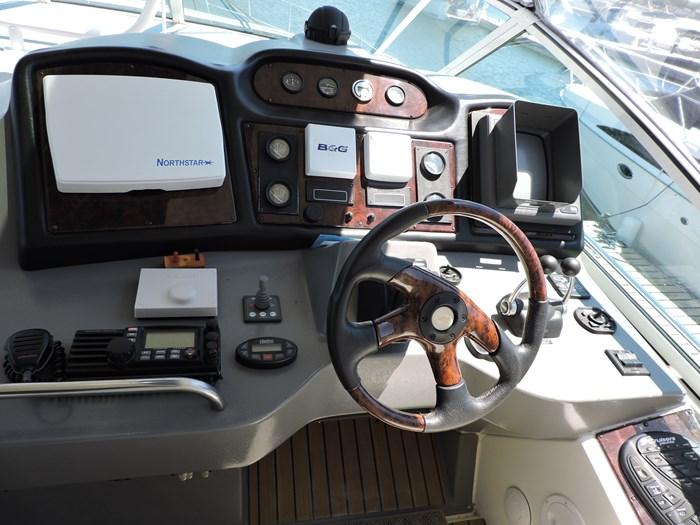 2006 Cruisers Yachts 455 Express Motor Yacht Photo 30 of 86