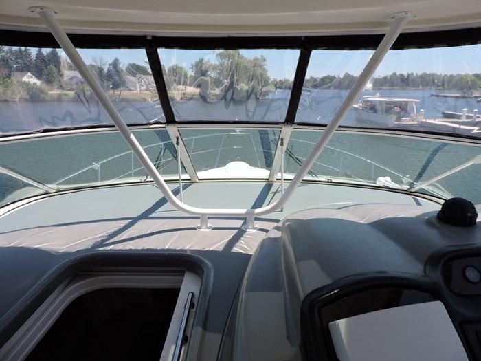 2006 Cruisers Yachts 455 Express Motor Yacht Photo 32 of 86
