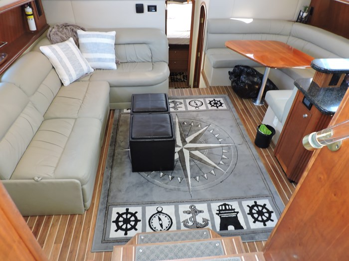 2006 Cruisers Yachts 455 Express Motor Yacht Photo 34 of 86
