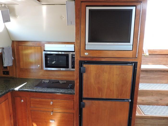 2006 Cruisers Yachts 455 Express Motor Yacht Photo 38 of 86