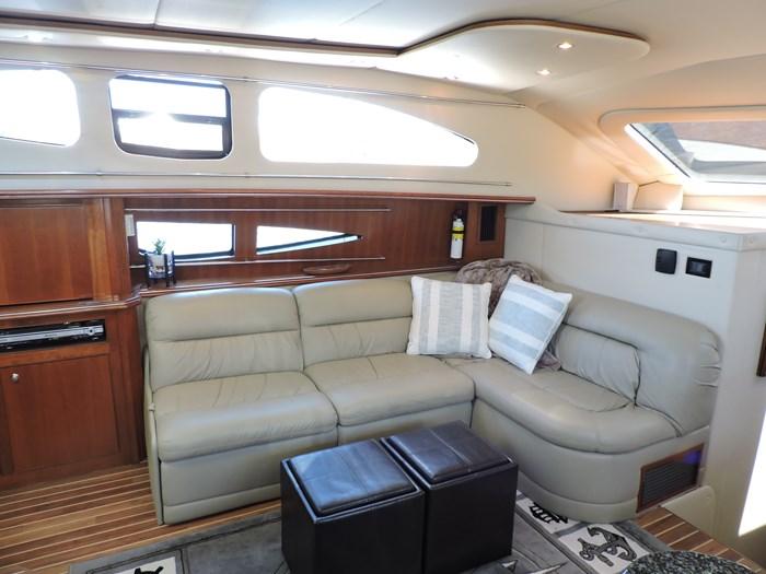 2006 Cruisers Yachts 455 Express Motor Yacht Photo 42 of 86