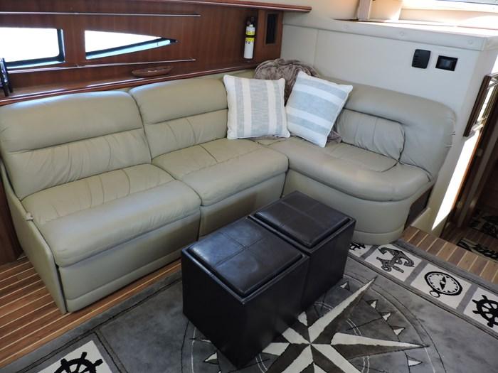 2006 Cruisers Yachts 455 Express Motor Yacht Photo 45 of 86