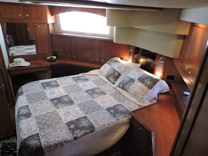2006 Cruisers Yachts 455 Express Motor Yacht Photo 47 of 86