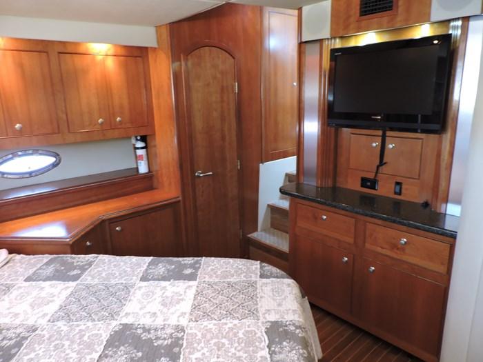 2006 Cruisers Yachts 455 Express Motor Yacht Photo 52 of 86