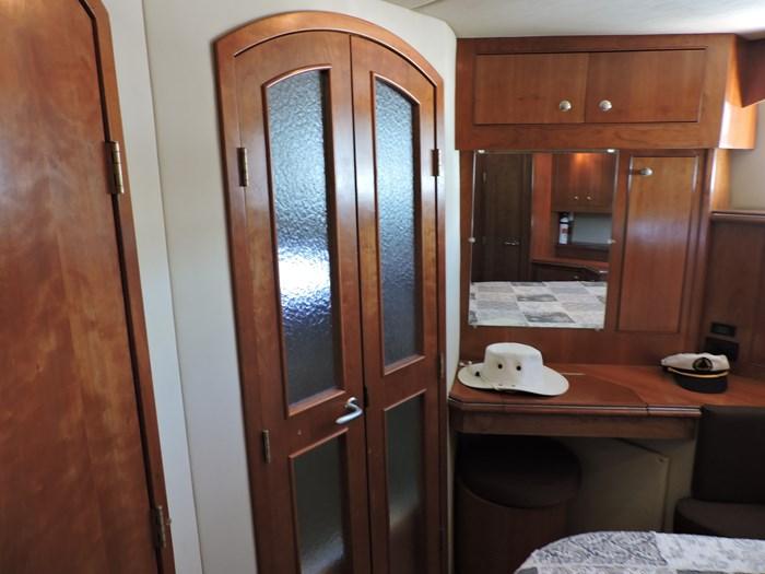 2006 Cruisers Yachts 455 Express Motor Yacht Photo 56 of 86
