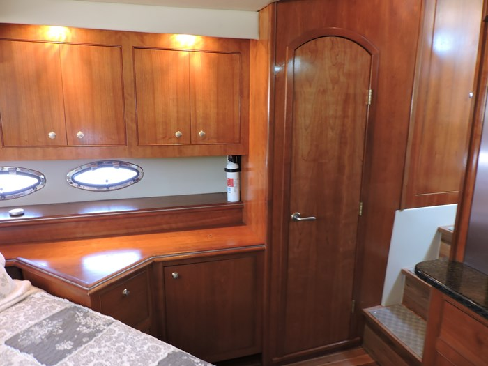 2006 Cruisers Yachts 455 Express Motor Yacht Photo 62 of 86