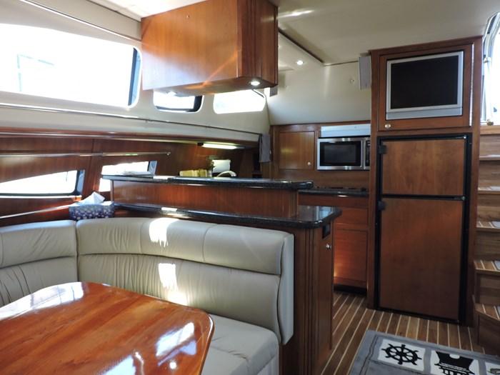 2006 Cruisers Yachts 455 Express Motor Yacht Photo 65 of 86