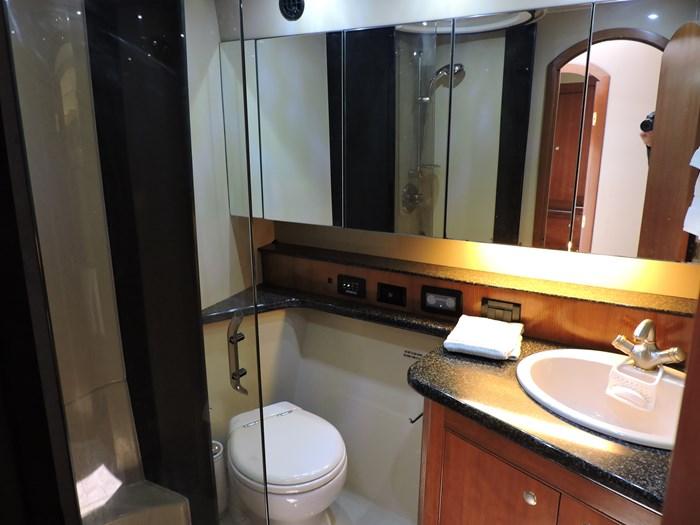 2006 Cruisers Yachts 455 Express Motor Yacht Photo 68 of 86
