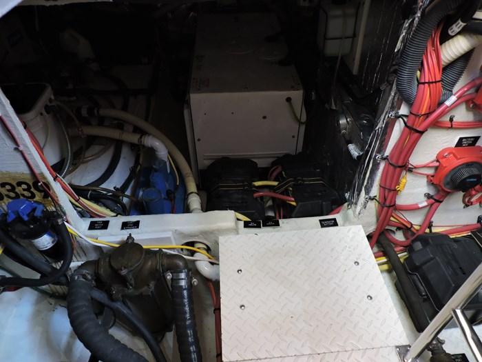 2006 Cruisers Yachts 455 Express Motor Yacht Photo 83 of 86