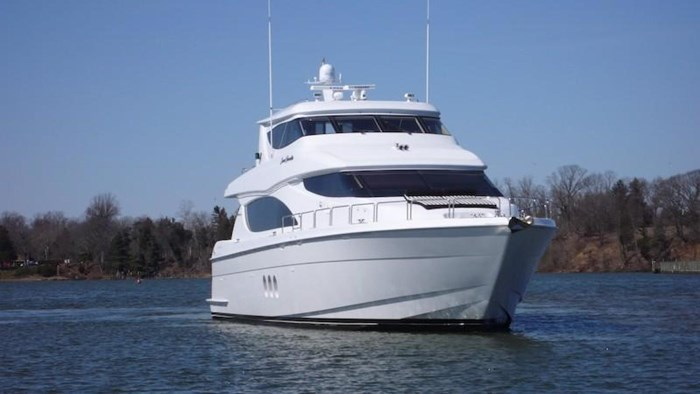 2005 Hatteras Sky Lounge Motor Yacht Photo 3 sur 69