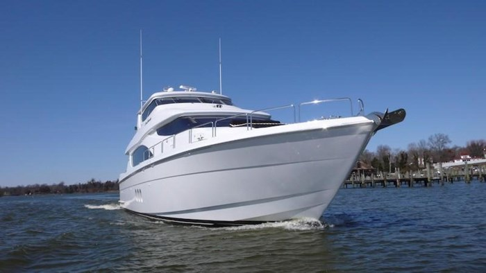 2005 Hatteras Sky Lounge Motor Yacht Photo 6 sur 69