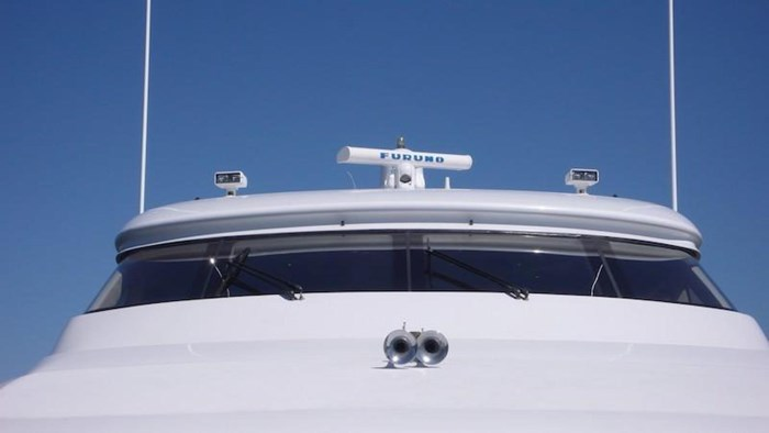 2005 Hatteras Sky Lounge Motor Yacht Photo 9 sur 69