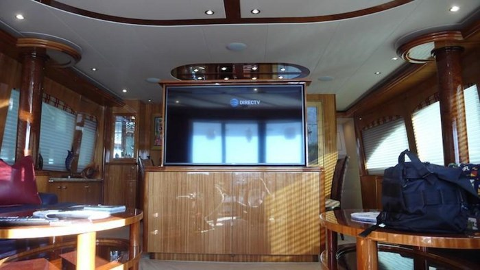2005 Hatteras Sky Lounge Motor Yacht Photo 20 sur 69