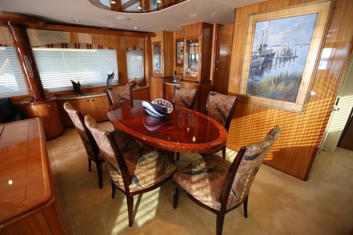 2005 Hatteras Sky Lounge Motor Yacht Photo 21 sur 69