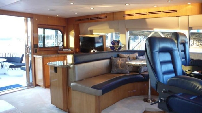 2005 Hatteras Sky Lounge Motor Yacht Photo 47 sur 69