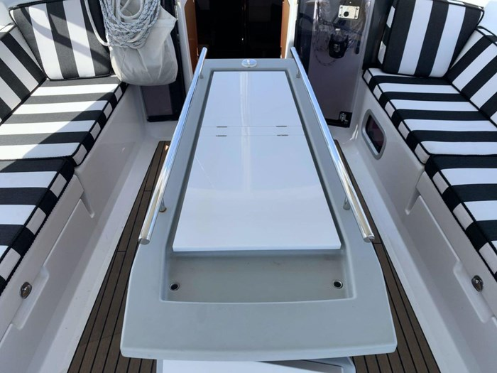 2013 Beneteau Photo 9 sur 33