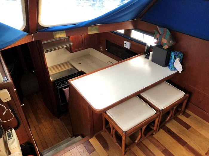 1974 1974 36 Uniflite DCMY ( Double Cabin Motor Yacht) 36 Sedan Flybridge Double Cabin Motor Yacht Photo 17 of 25