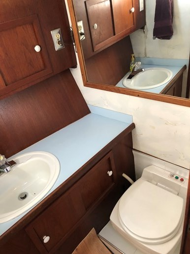 1974 1974 36 Uniflite DCMY ( Double Cabin Motor Yacht) 36 Sedan Flybridge Double Cabin Motor Yacht Photo 20 of 25