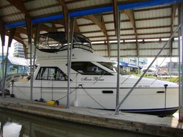 1999 Bayliner 3788 Command Bridge Motoryacht Photo 3 sur 90